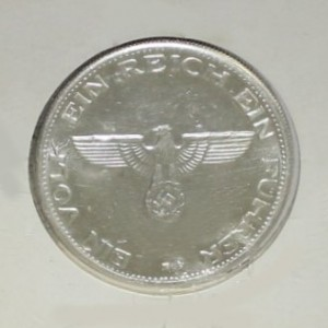 Adolph Hitler Medal - 1945...