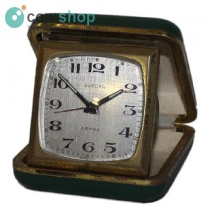 Relógio despertador de mesa...