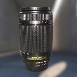 Objectiva Nikon 70-300mm...
